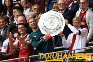 Cech Nilai Spurs Belum Selevel Dengan Arsenal Meski Sedang Menanjak